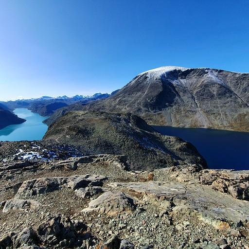 הנוף האייקוני של המסלול הוא נקודת ההשקה בין שני האגמים, אנחנו לא הגענו עד לשם בגלל פציעה אבל ממש כדאי.