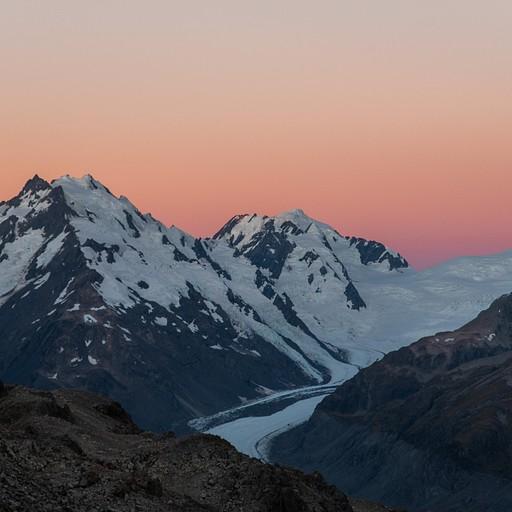 השקיעה על רקע קרחון הtasman