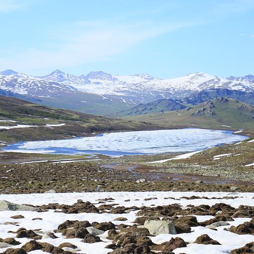רואים את האגם מהפאס