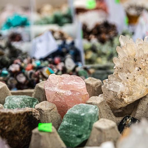 קונים אבנים יפות