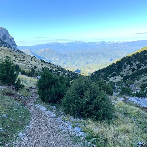 הנוף לכיוון פפינגו בעלייה לבקתת אסטרקה