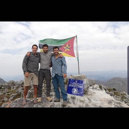 פסגת הר בינגה, תביאו דגל ישראל;)