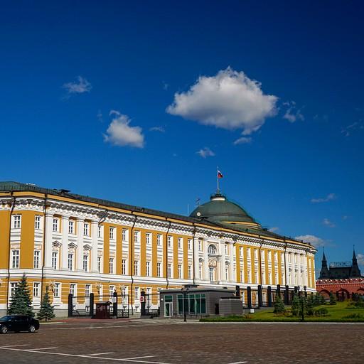 ארמון הסנאט- המשרד של פוטין