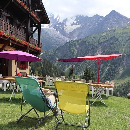 כל העניין הוא לנוח מול ההר בלב מון בלאן :)