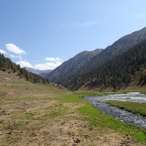 נהר הKyrk-kechuu אותו חציתי