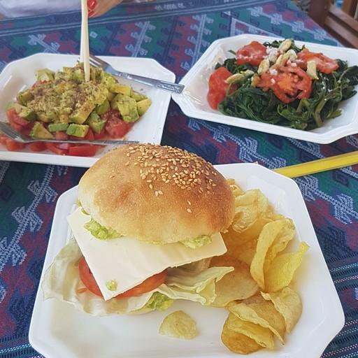 המנות הטעימות שאכלנו במסעדת The Real Nyaung Shne