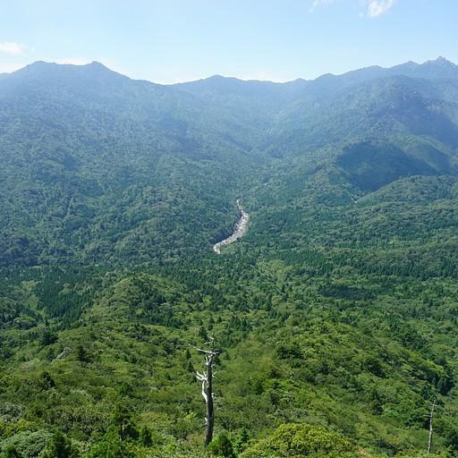נוף מהשיראטאני
