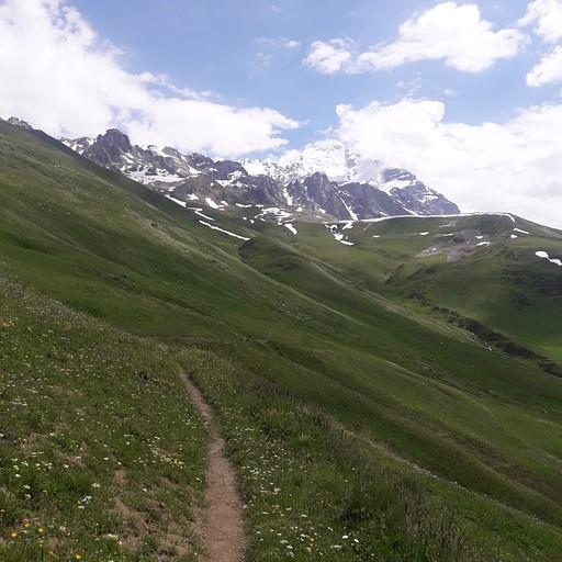 הדרך מיד אחרי הפניה ל -Peak Tandul