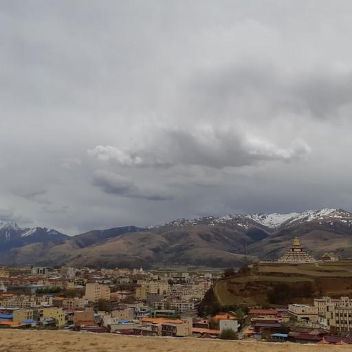 """הנוף מהמנזר שב""""עיר הישנה"""""""