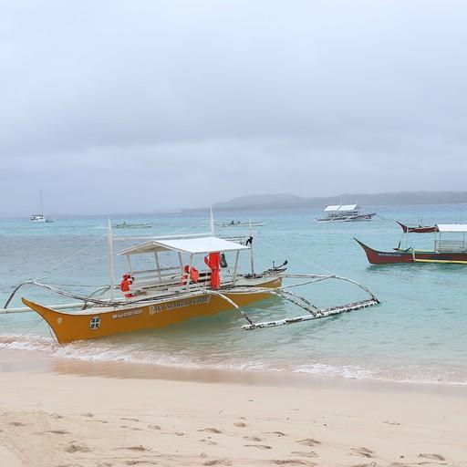 סירות באחד האיים באיילנד הופינג