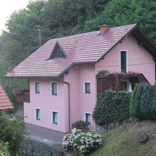 בתים פסטורליים בכפר