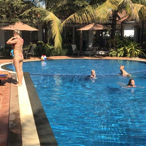 רזורט מקסים להעביר יום שלם בבריכה - סיהנוקוויל
