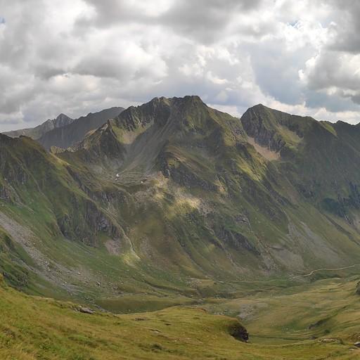 הרכס והעמק