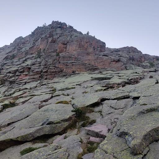הסלעים האדומים האופיינים לטיול