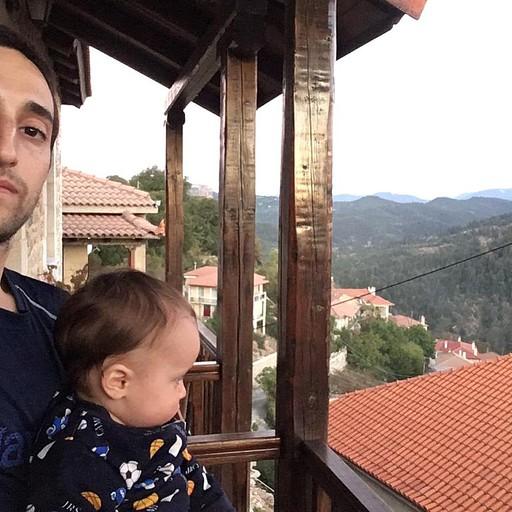 נוף מהמרפסת במלון בכפר Valtesiniko