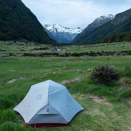 נקו את האוהל מבוץ, חול או כל דבר אחר..