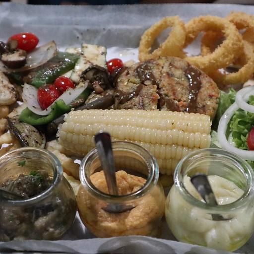 מנת הטעימות במסעדת Mix היוונית - מעולה!