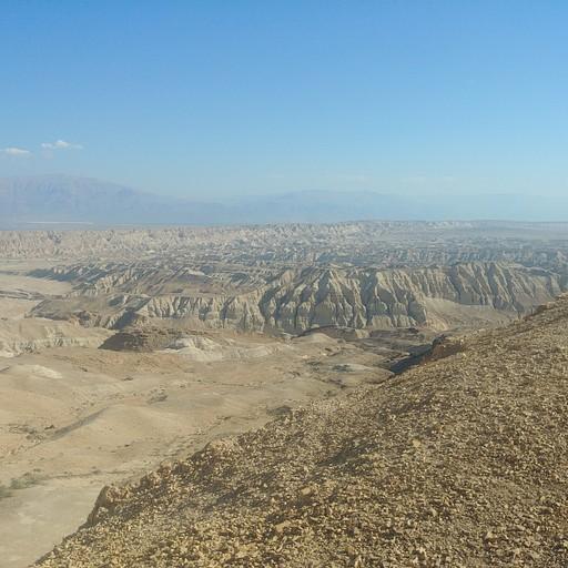 בסוף מעלה חמר: מישור עמיעז, הר סדום ונחל פרצים